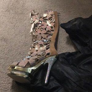 Shoes - Amazing rhinestone heels